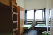 rock-solid-backpackers-bunks